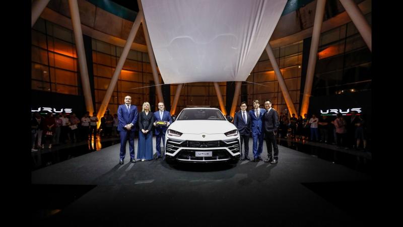 TOP SUV ACCELERATION 2018 LAMBORGHINI URUS BENTAYGA AND MORE