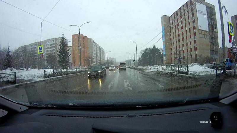 Маршрутка на светофоре