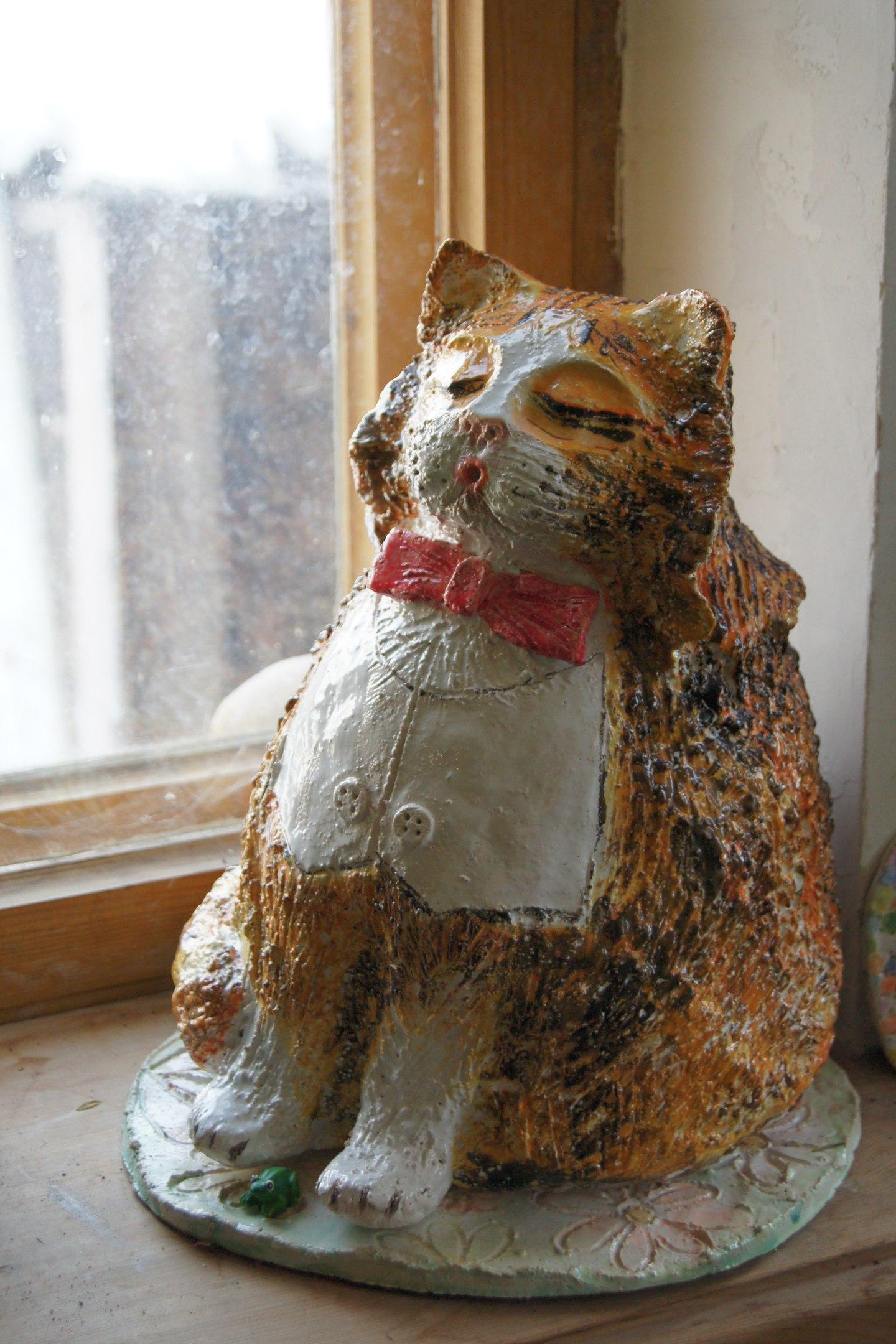 «Кот» шамот, глазури.