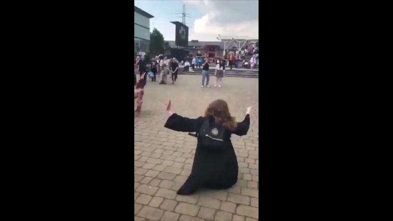 Гермиона танцует под Донателлу