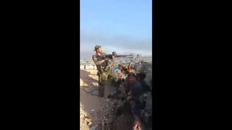 Смелого асадита подстрелили повстанцы в Сирии