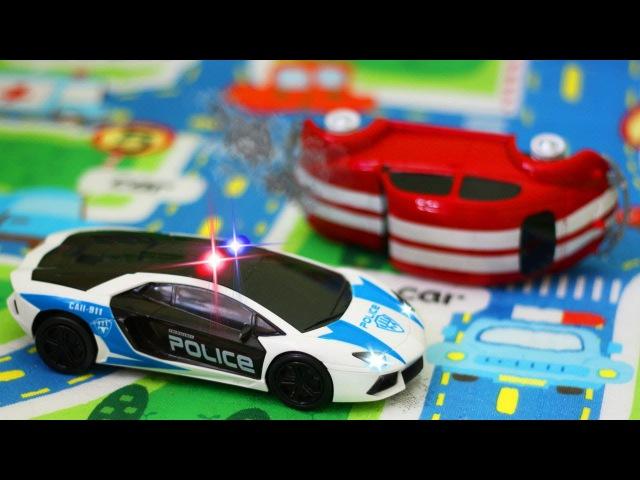 Polis Arabası kaybolan Hızlı Yarış Arabası arıyor. Eğitici Çizgi Film Türkçe Çocuklar için Araba