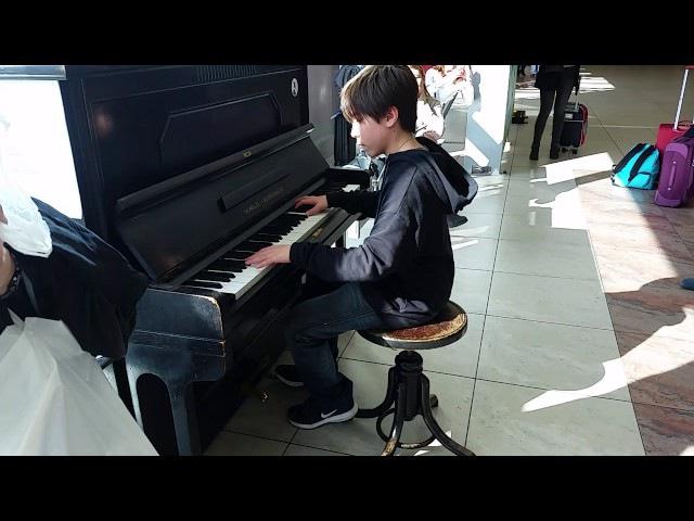 Requiem for a Dream Street Piano Prague