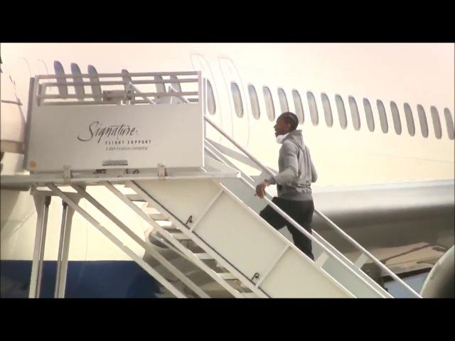 INJURED KAWHI LEONARD STRUGGLES TO BOARD SPURS AIRPLANE