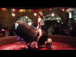Девушка на быке!!!!