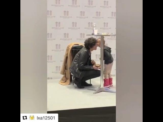 """FABRIZIO MORO E ERMAL META✨ on Instagram: """"Repost @lxa12501 with @get_repost ・・・ Oggi all' instore a Torino😍 Se qualcuno sa chi è la bimba me lo p..."""