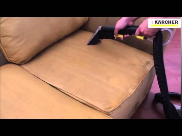 Limpeza do sofá com Kärcher Professional Puzzi 100