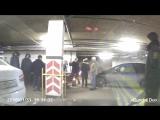 Дегродирующие малолетки на парковке в Фабри ч.2