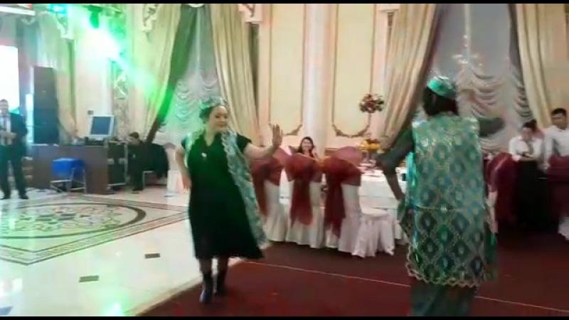 Я на свадьбе танцую цыганский