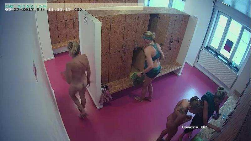 Скрытая камера в женской раздевалке Не порно но задорно