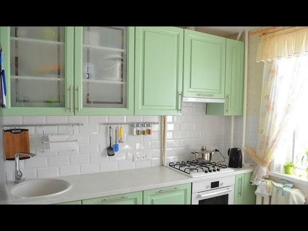 Дизайн зеленой угловой кухни 9 кв. м в классическом стиле