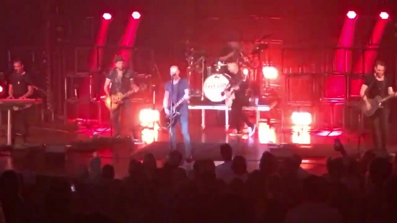 Daughtry - No Surprise (Live) (2018)