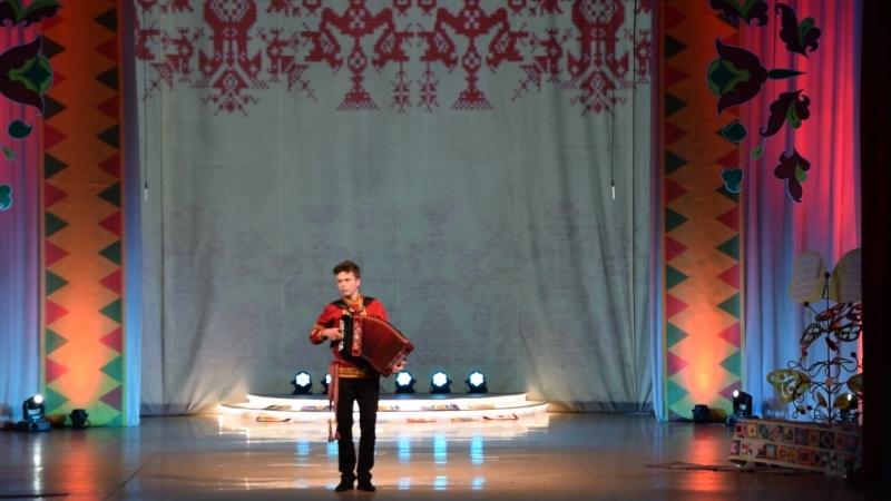Семеновна- исполняет Михаил Окуловский