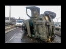 Перевернулся военный броневик в Киеве. Видео с места событий