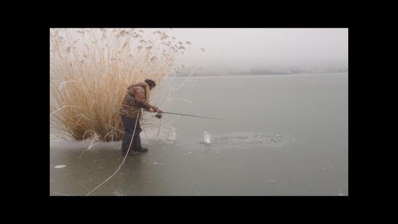 ОПАСНЫЙ ПЕРВЫЙ ЛЕД Когда хочется на зимнюю рыбалку