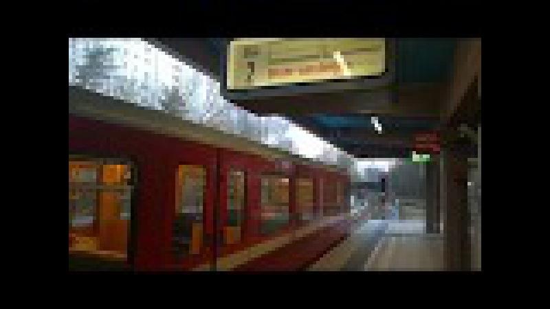 U-Bahn wartet auf Freigabe der Abstellanlage Messe