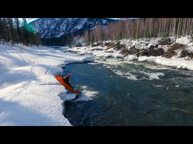 Пакрафтинг на апрельском Казыре (full version) Packrafting in Siberia English sub