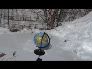 Полуденная тень в день равноденствия (эксперимент показывающий направление тени)