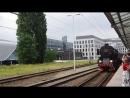 Parowóz Ty42 24 z pociągiem 'Obieżyświat' wjeżdża na Dworzec Główny we Wrocławiu