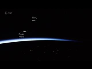 Мини-парад планет с участием старой Луны: вид с МКС