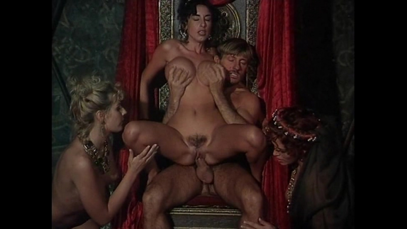 Порно Италия Замок