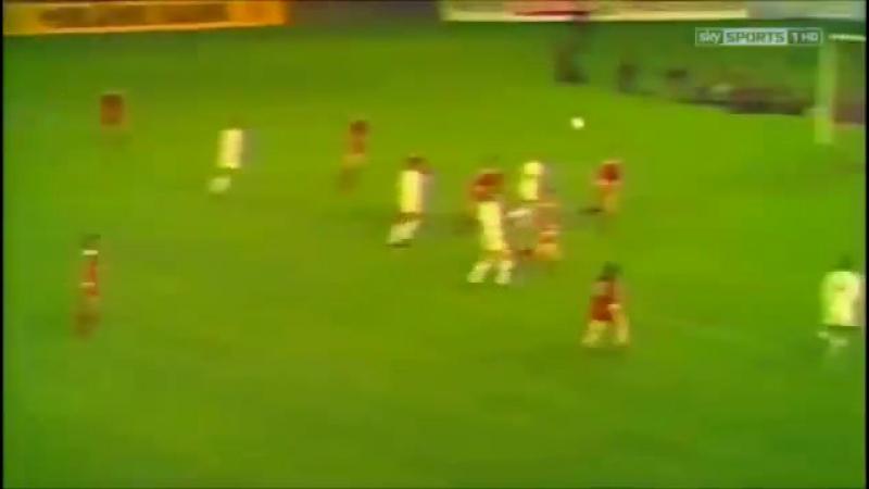 Pênalti de Beckenbauer em Allan Clarke e gol anulado de Lorimer