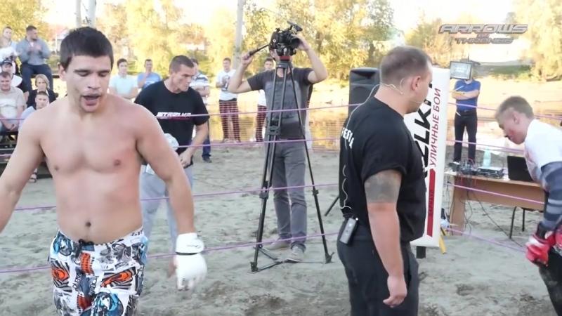 Бокс чуток борьбы против улицы, техника рулит.