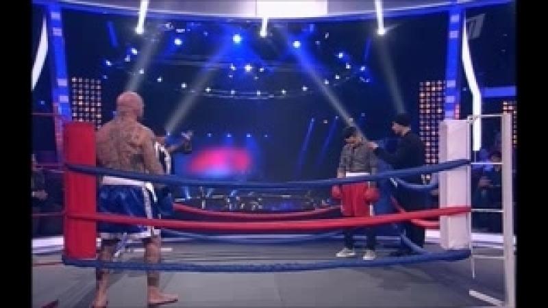 Джефф Монсон и Тимур Родригез на ринге.