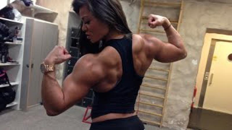 Muscle girl Sophie Arvebrink: Heavy back workout