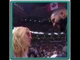 Дрейк и Дорис Бёрк на игре Toronto Raptors vs. Boston Celtics в Торонто, Канада