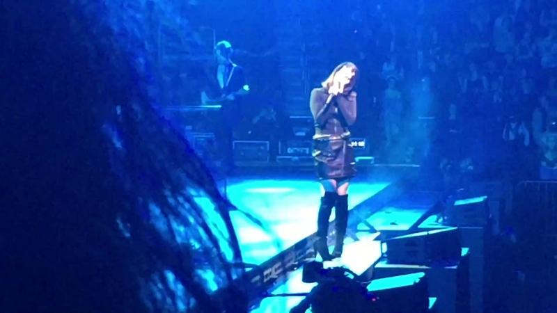 Lana Del Rey – Cruel World (Live @ «LA To The Moon Tour»: «Wells Fargo Center»)