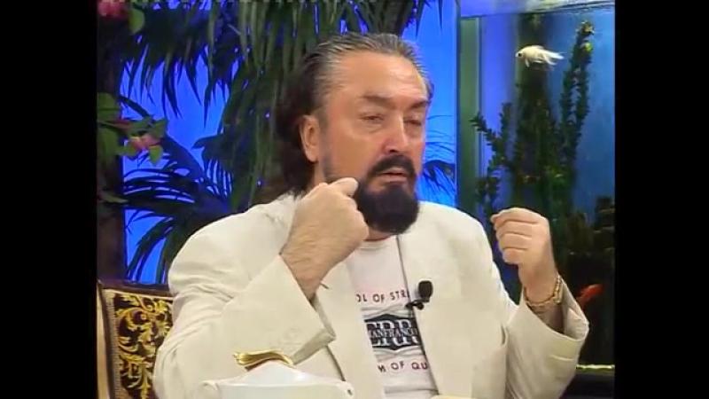Mahmut Hocamız İslam aleminin çok mühim, müberra şahıslarından, çok değerli bir insandır