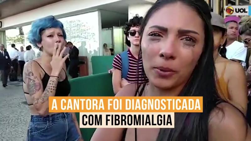 Fãs choram em frente a hotel após show de Lady Gaga ser cancelado