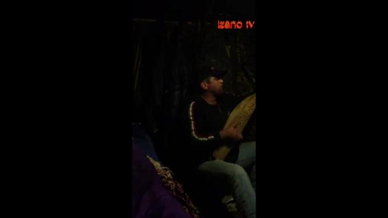М-Хабиб поет на пандуре
