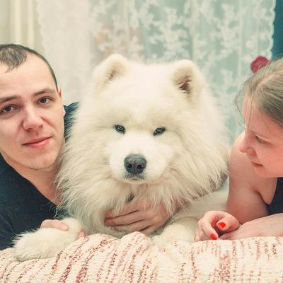 Олька Томова