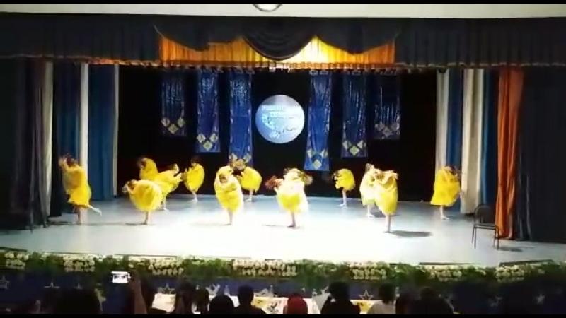 танец солнца Шаттык 2018 года Танцевальный коллектив Сарыарка средняя группа