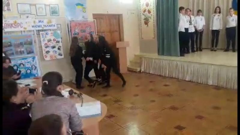 танец 8Б💜