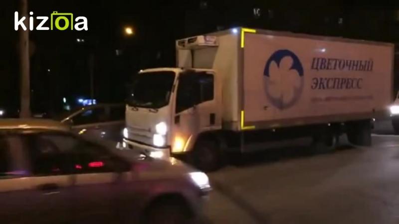 В Саратове столкновение автомобилей обернулось крупной пробкой