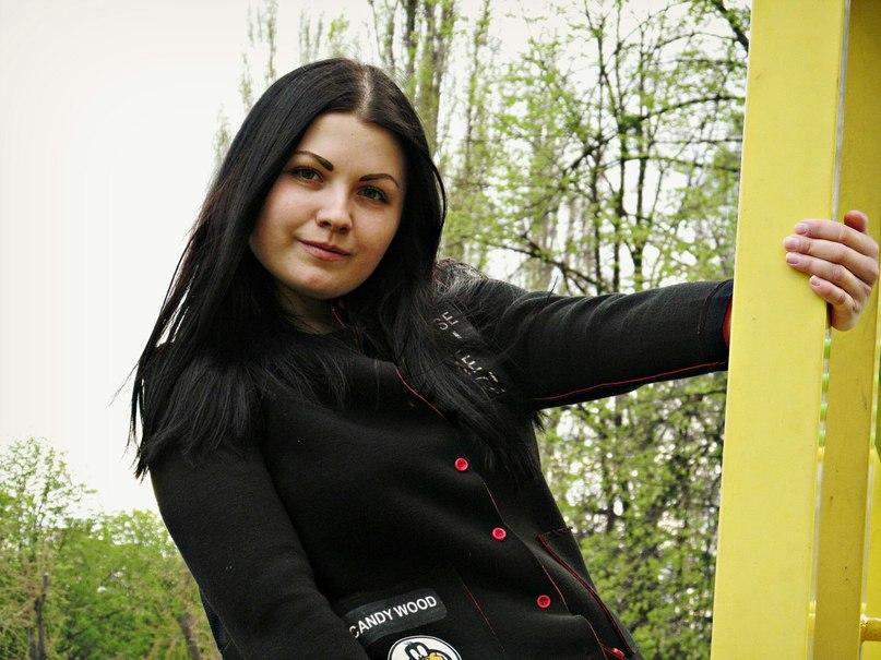 Оля Парамонова  