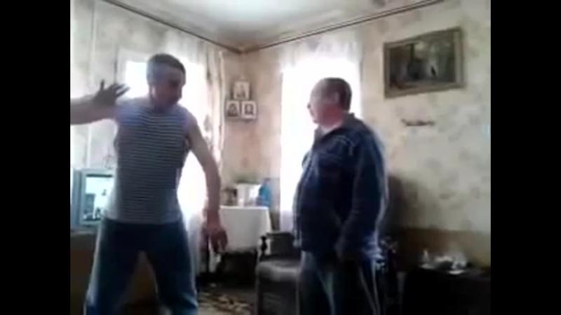 Драка пьяных мастеров кунг фу УБЬЮ с одного удара Ржач