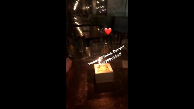 Shay Mitchell on Nichelle Hines' Instagram Story (18 апреля 2018)
