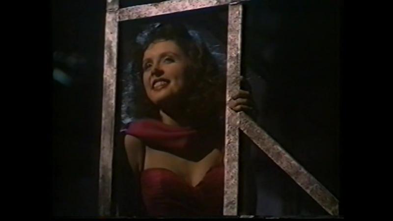Мюзикл Tell me on a Sunday Song and Dance (UK, 1983) Композитор Andrew Lloyd Webber. Поет несравненная юная Сара Брайтман)