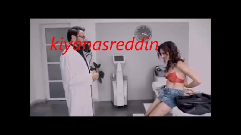 Türk filminde doktora mal beyanında bulunmak -soyun diyor soyunuyor - Hatice Aslan erotik scene in turkish movie