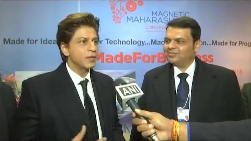 Shah Rukh Khan and CM Devendra Fadnavis discuss 'Magnetic Maharashtra' Davos2018
