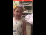 Девочка поет песню про Улан Удэ