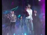 jungkook really flashed his stomach - FakeLovePremiere BBMAs @BTS_twt