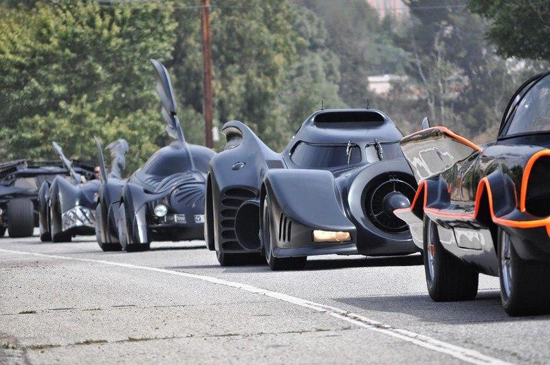 ULsiZFb3zwc - Все тачки Бэтмена: Как со временем изменялся Batmobile