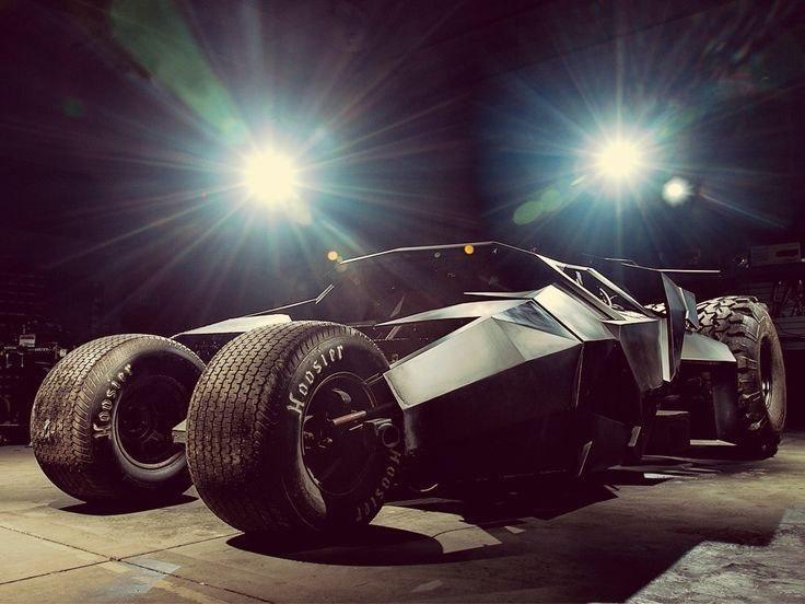 RJy01NQtsJs - Все тачки Бэтмена: Как со временем изменялся Batmobile