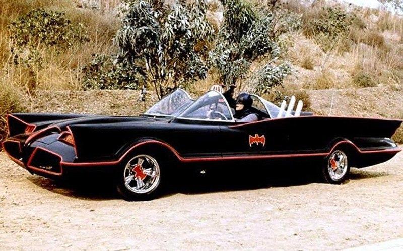 ystXMvzA 5I - Все тачки Бэтмена: Как со временем изменялся Batmobile