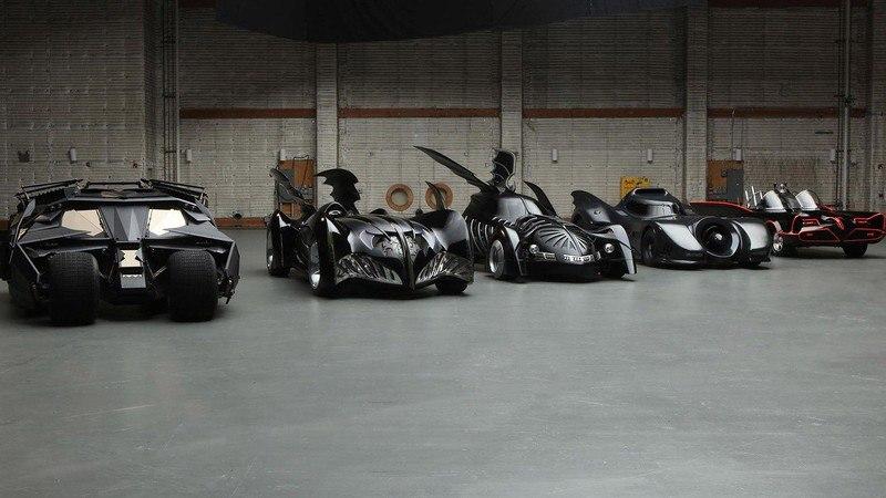 DaRKAAsQ5XE - Все тачки Бэтмена: Как со временем изменялся Batmobile
